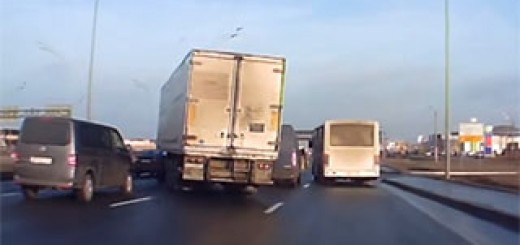 Camion-accident-justesse