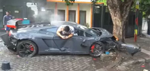 Lamborghini-accident-SMS
