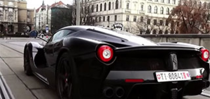 Ferrari-LaFerrari-terrorizing-Prague