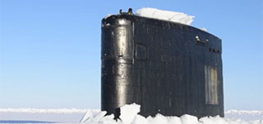 SS-Hartford-surfaces-at-the-Arctic-circle-for-ICEX-2016