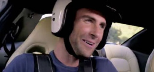 The-Voice-Adam-Levine-doit-reussit-a-chanter-Sugar-dans-une-Nissan-GT-R