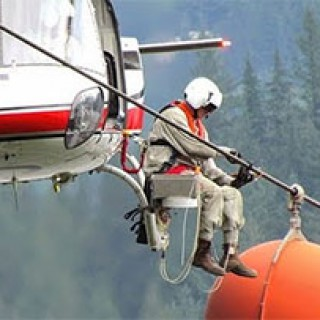 Extreme-Jobs-High-Voltage-Power-Line-Inspection