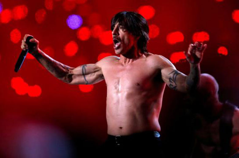 Le-chanteur-des-Red-Hot-Chili-Peppers-hospitalise-d-urgence