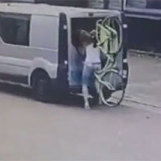Sexy-Girl-Runs-Into-Van