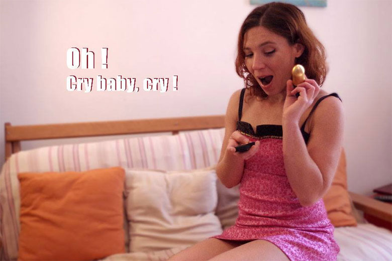 Charlie-Liveshow-test-sextoy-cry-baby