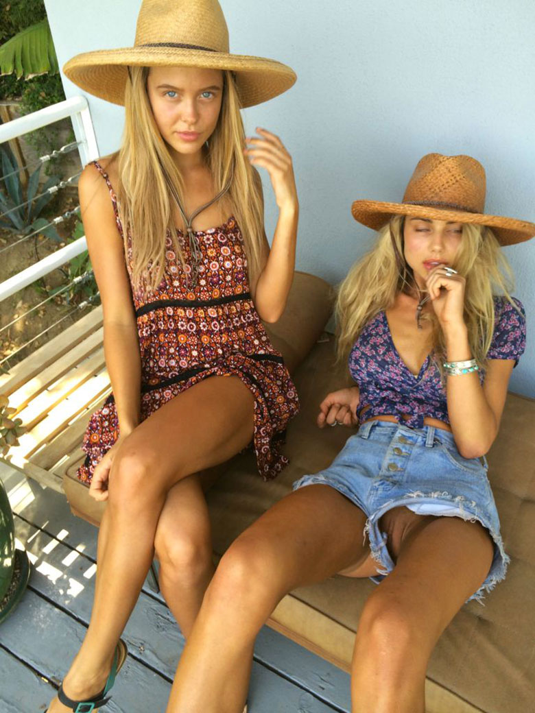 sahara-ray-oups-exhibe-chatte-aout-2016-02