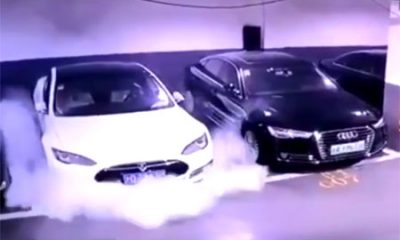 Tesla parking prend feu