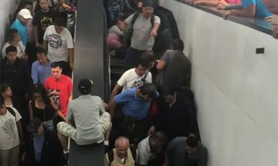 embouteillage escalator chaos