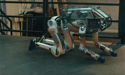 robots Boston Dynamics maltraites par humains