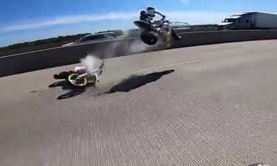 incroyable accident femme motard decolle dans airs